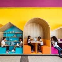 בית ספר הירדן לילדי הפליטים בתל אביב בעיצוב צבעוני וחם.. עיצוב שטיינברג פישר